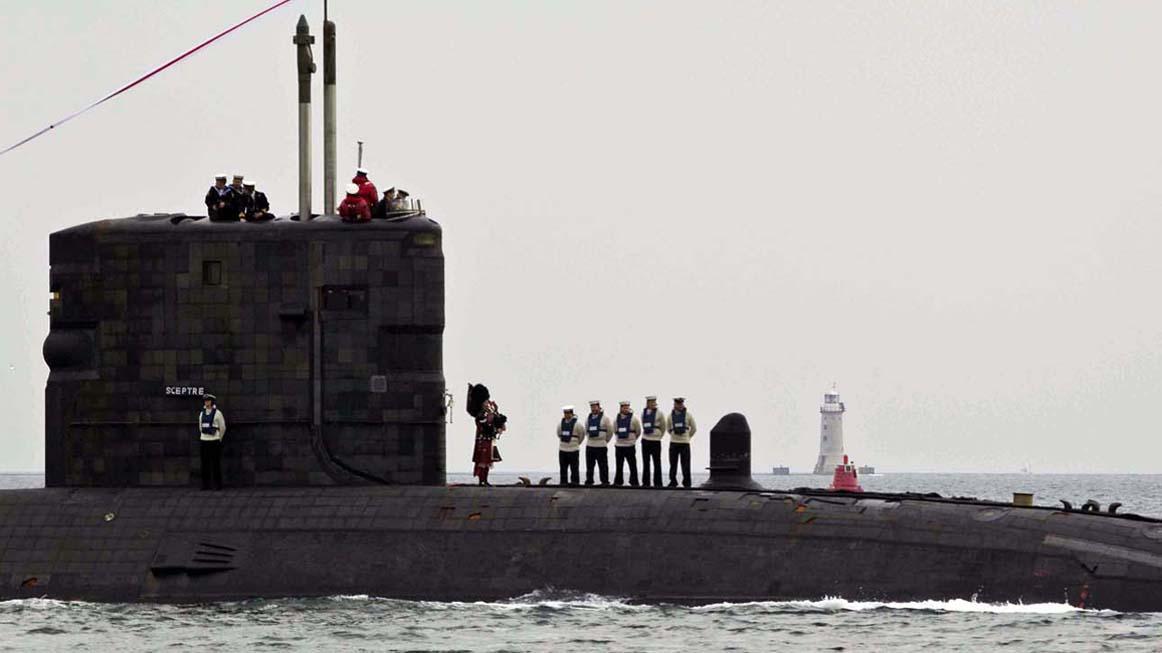 HMS SCEPTRE HOME